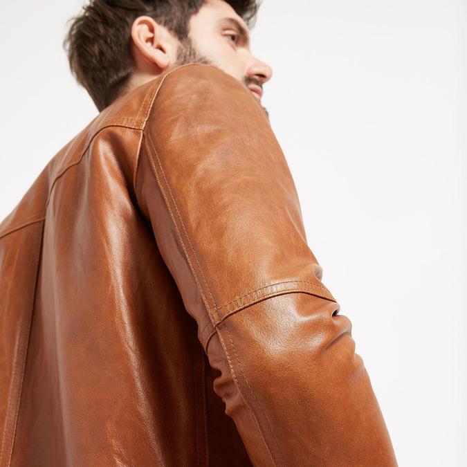 Kurtka skórzana ze stylowym pikowaniem bata, brązowy, 974-3142 - 16
