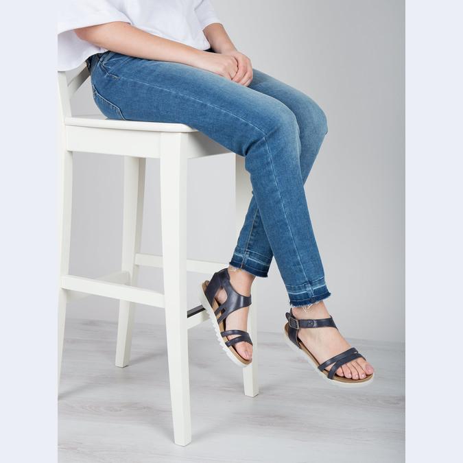 Skórzane sandały na kontrastowej podeszwie bata, niebieski, 566-9606 - 18